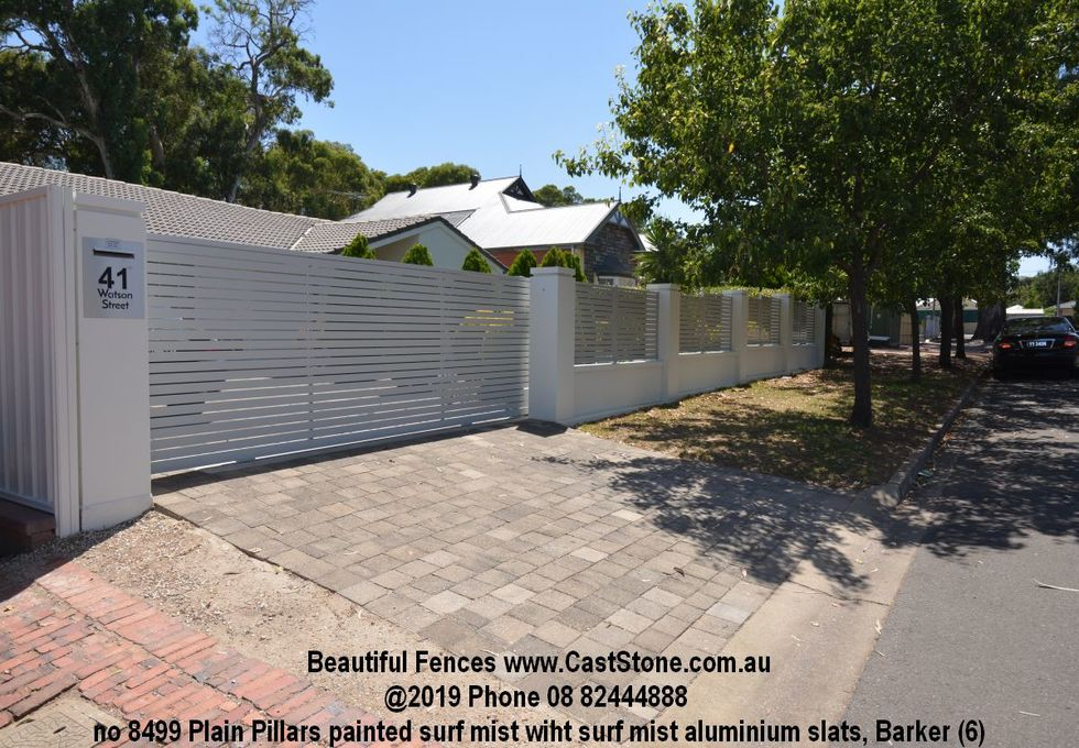 CastStone Minimalist precast concrete fence Pillar with slats between